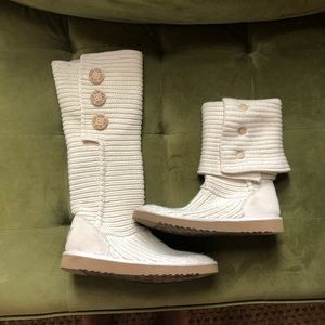Cream Knitted Ugg Boots